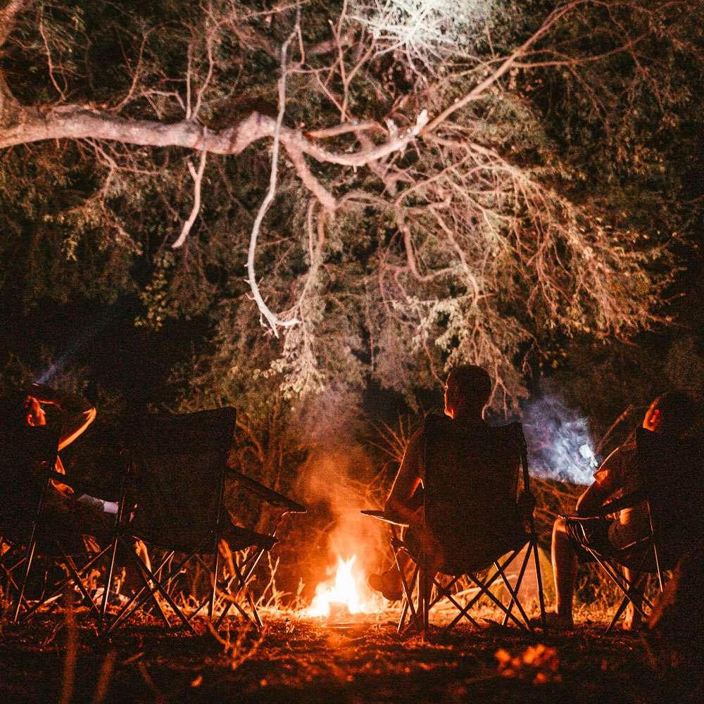 Die Gruppe beim abendlichen Camp