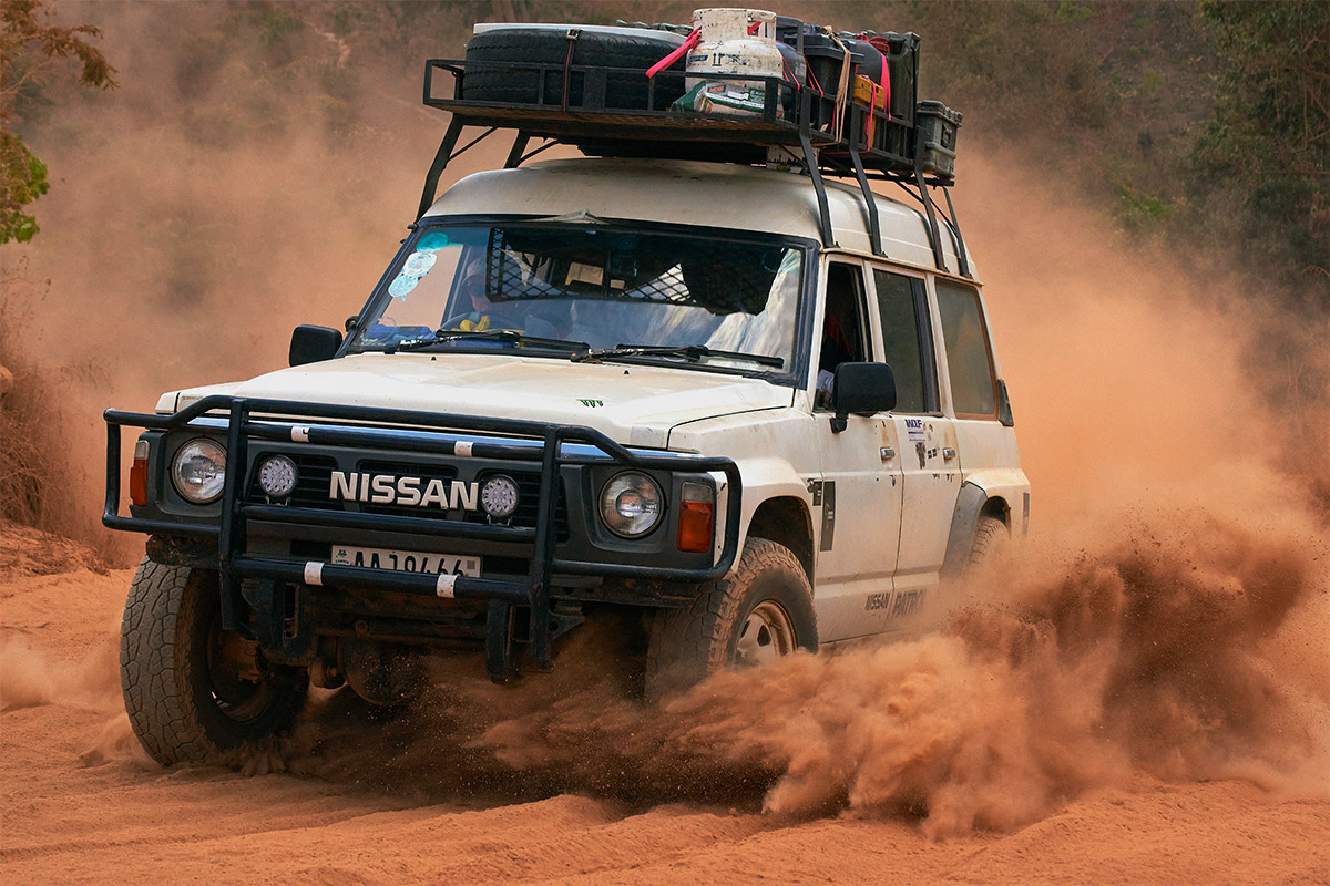 Through the deep sand with the Nissan Patrol